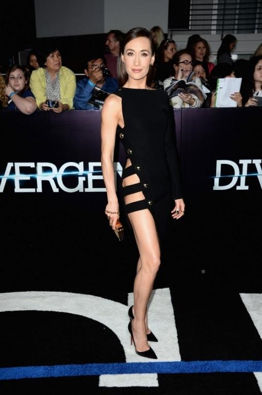 Maggie Q dans une petite robe noire signée Anthony Vaccarello