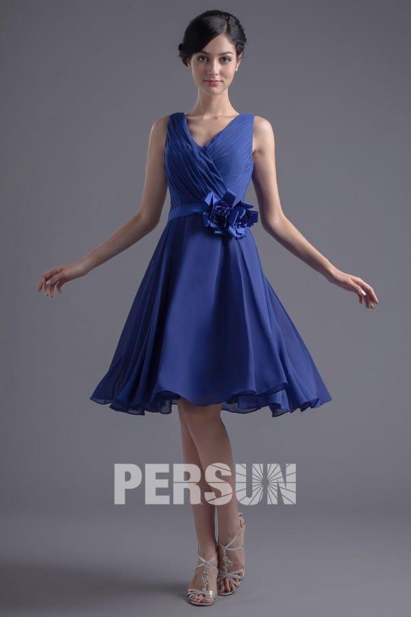 Robe courte de soirée bleue pour assister à un mariage